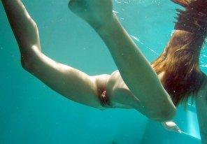 amateur photo under water