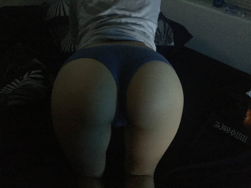 Hi Reddit! {F 22} Porn Photo