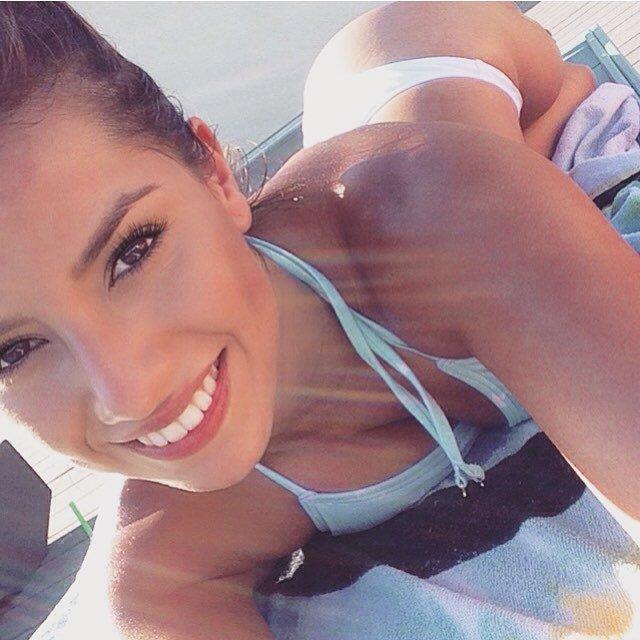 Selfie In The Sun Porn Photo
