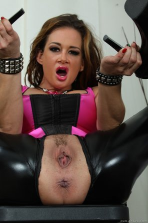 amateur photo Tory Lane's asshole is ready for use