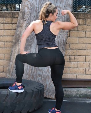 amateur photo Meg Squats