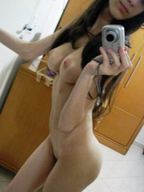 amateur photo Slender body