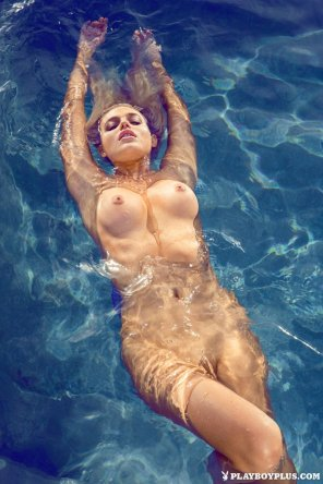 amateur photo Monica Sims in the pool