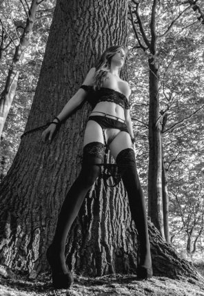 amateur photo Helpless in the woods