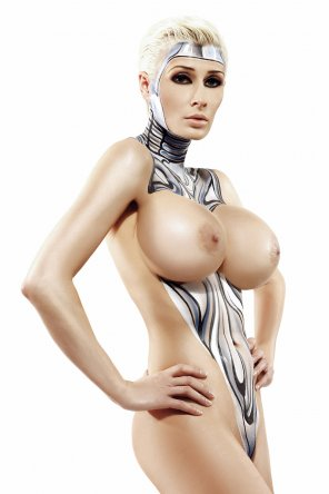 amateur photo Marie-Claude Bourbonnais body paint
