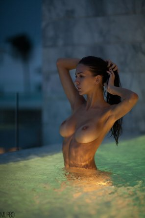 amateur photo In the pool.