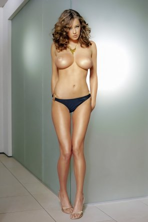 amateur photo Keeley Hazell?