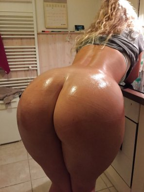amateur photo oiled and sweet
