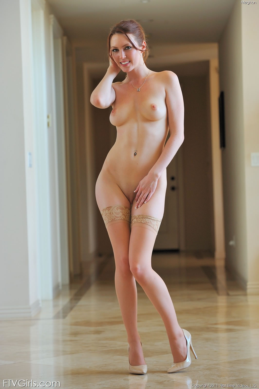Sexy naked tinkerbell