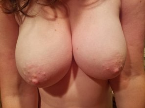 amateur photo IMAGE[Image] Wife Boobs