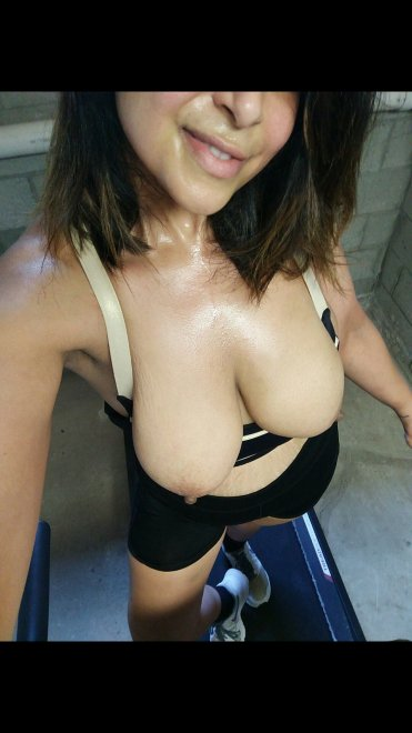 [F]uck! What a hot and sweaty workout Porn Photo