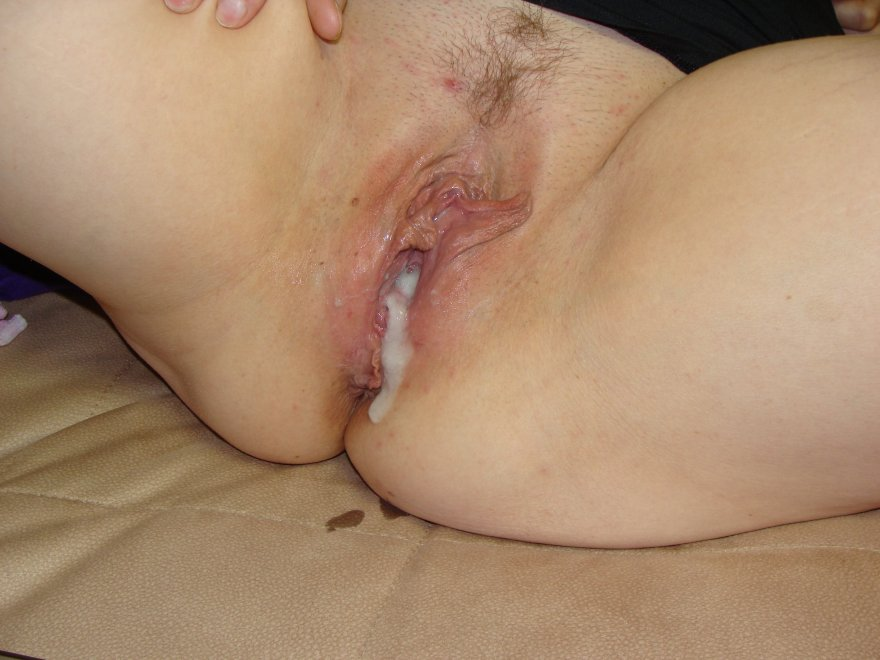 Her leaking cum.... Porn Photo