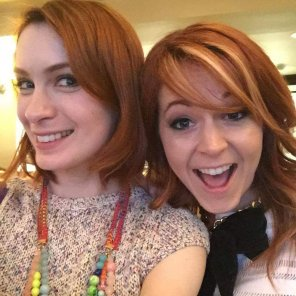 amateur photo Felicia Day and Lindsey Sterling, hanging out
