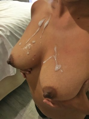 amateur photo [Big Cumshot on My Breasts] - Oops He Did It Again!