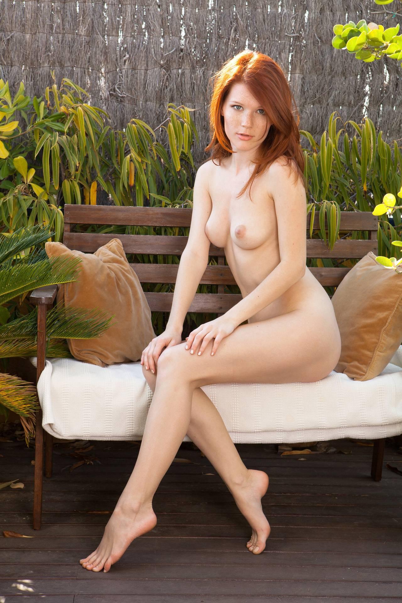 Skinny redhead long legs nude, nude big tits vids
