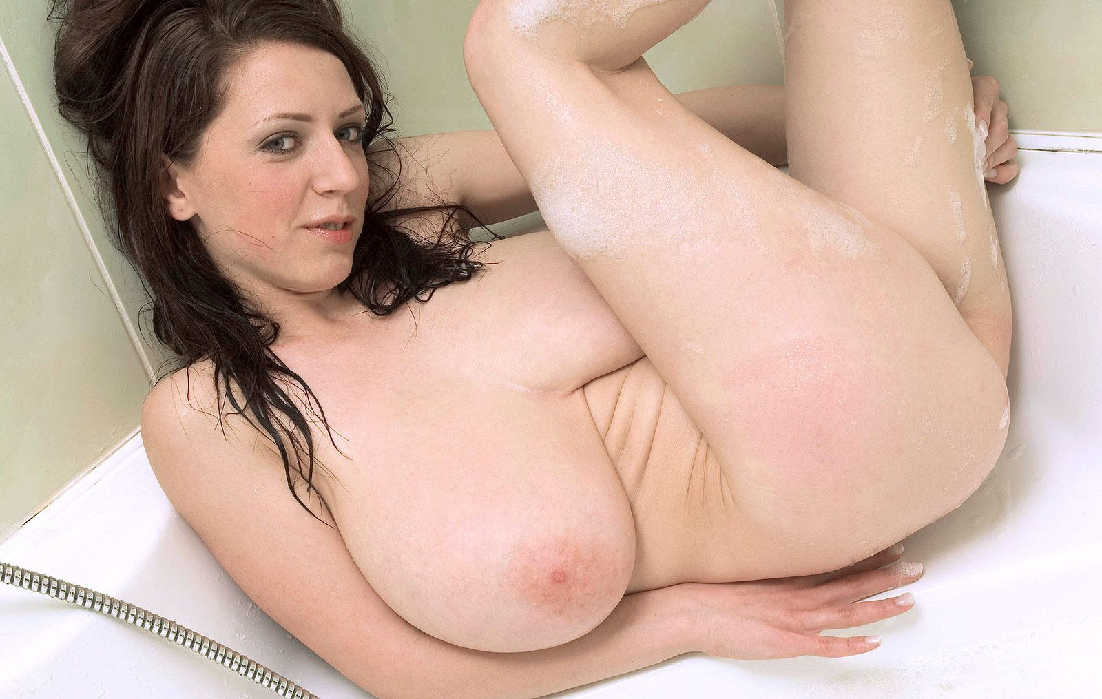 Busty live sex machine web with indigo augustine 9
