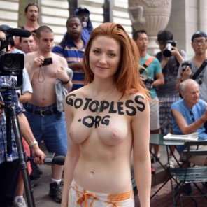 amateur photo Ginger with a message.