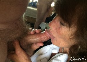 amateur photo Mama loves to suck meaty cocks!