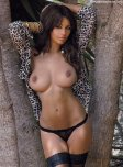amateur photo Holly Peers Bronzed & Topless
