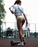amateur photo Hoverboard hottie