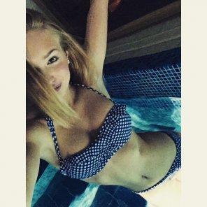 amateur photo Hot Bikini in the pool