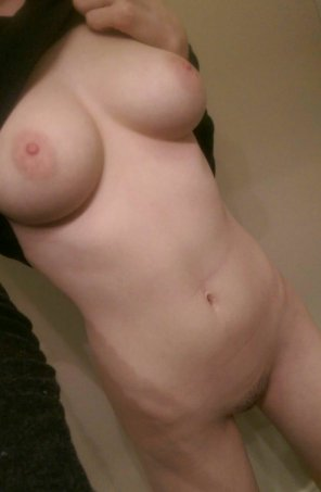 amateur photo Looking for naughty guy to play with my tits! SC: xotina21