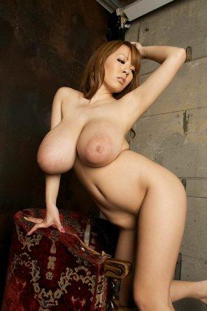 amateur photo Tanaka Hitomi big tits