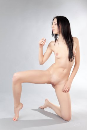 amateur photo Amy Light - Pale an slim