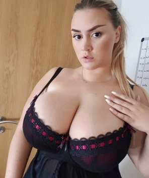 amateur photo Thick Brows for Thick Breasts