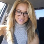amateur photo Sexy blonde in spectacles