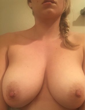 amateur photo Her big naturals
