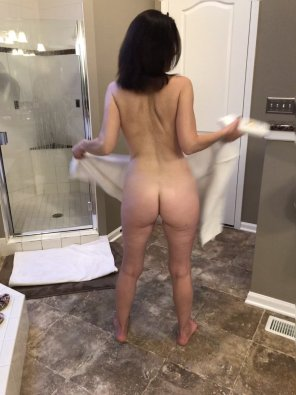 amateur photo Bath towel and bare bottom [43]