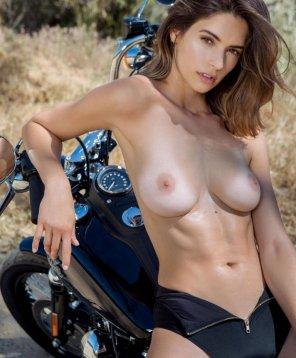 amateur photo Rebel boobs