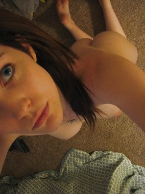 amateur photo On her knees ready to please