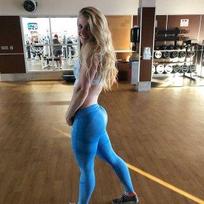 amateur photo Blue Yoga Pants