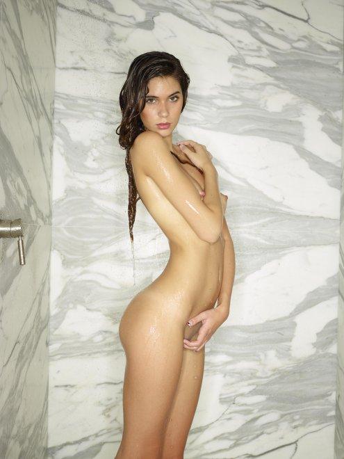 Victoria R Porn Photo