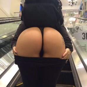 amateur photo Up the escalator
