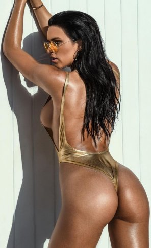amateur photo Girl in gold