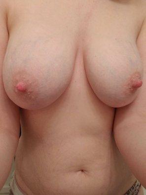 amateur photo IMAGE[image] MILFboobs
