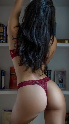 amateur photo Lingerie in the library
