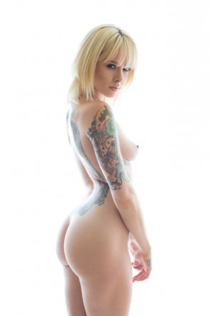 amateur photo Great body with great ink