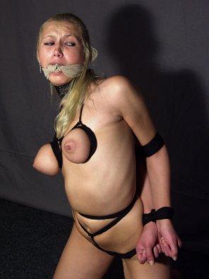 amateur photo Black Ropes