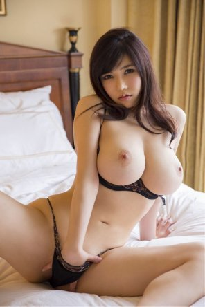 amateur photo The stunning Anri Okita