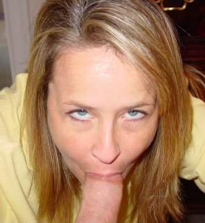 amateur photo busy milf
