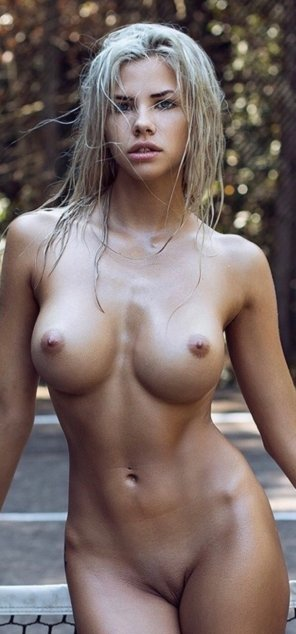 amateur photo Hot and wet