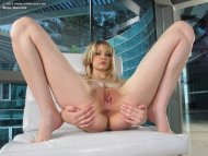 amateur photo Sexy blonde teen Bree Daniels shows pussy
