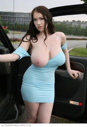 amateur photo Anna Huge natural big boobs