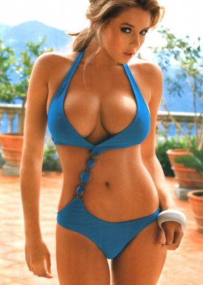 amateur photo Keeley Hazell