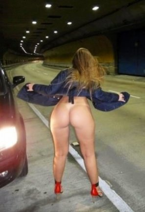 amateur photo Exposed Wife in the Highway