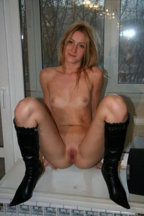 amateur photo Posing in her new boots